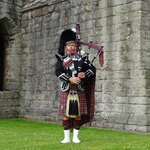 Edinburgh Wedding Piper