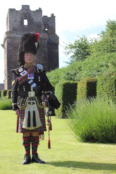 Kenny McBride Edinburgh Wedding Piper